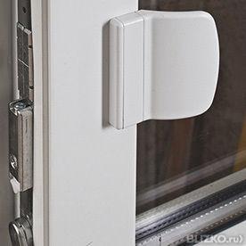 Защелка на дверь (комплект)/ установка- защелке + ручка заце.